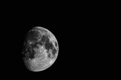 moon-3055380_960_720